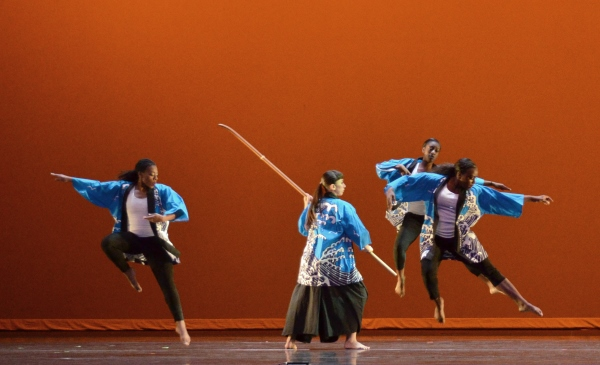 "The technical aspects of traditional dance performances will be left behind in the spring ""Lo Tech, No Tech"" performance set for 7 p.m. June 4 and 5 in Marsee Auditorium."