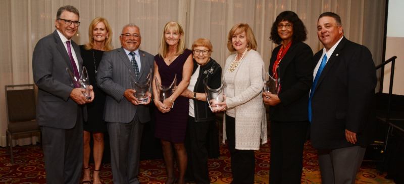 El Camino College honored outstanding alumni and supporters Feb. 1 at the 2018 Distinguished Alumni & Gratitude Awards Dinner. More than 150 people filled the Torrance Marriott to honor four exemplary ECC alumni, one area philanthropist and one regional corporate partner.