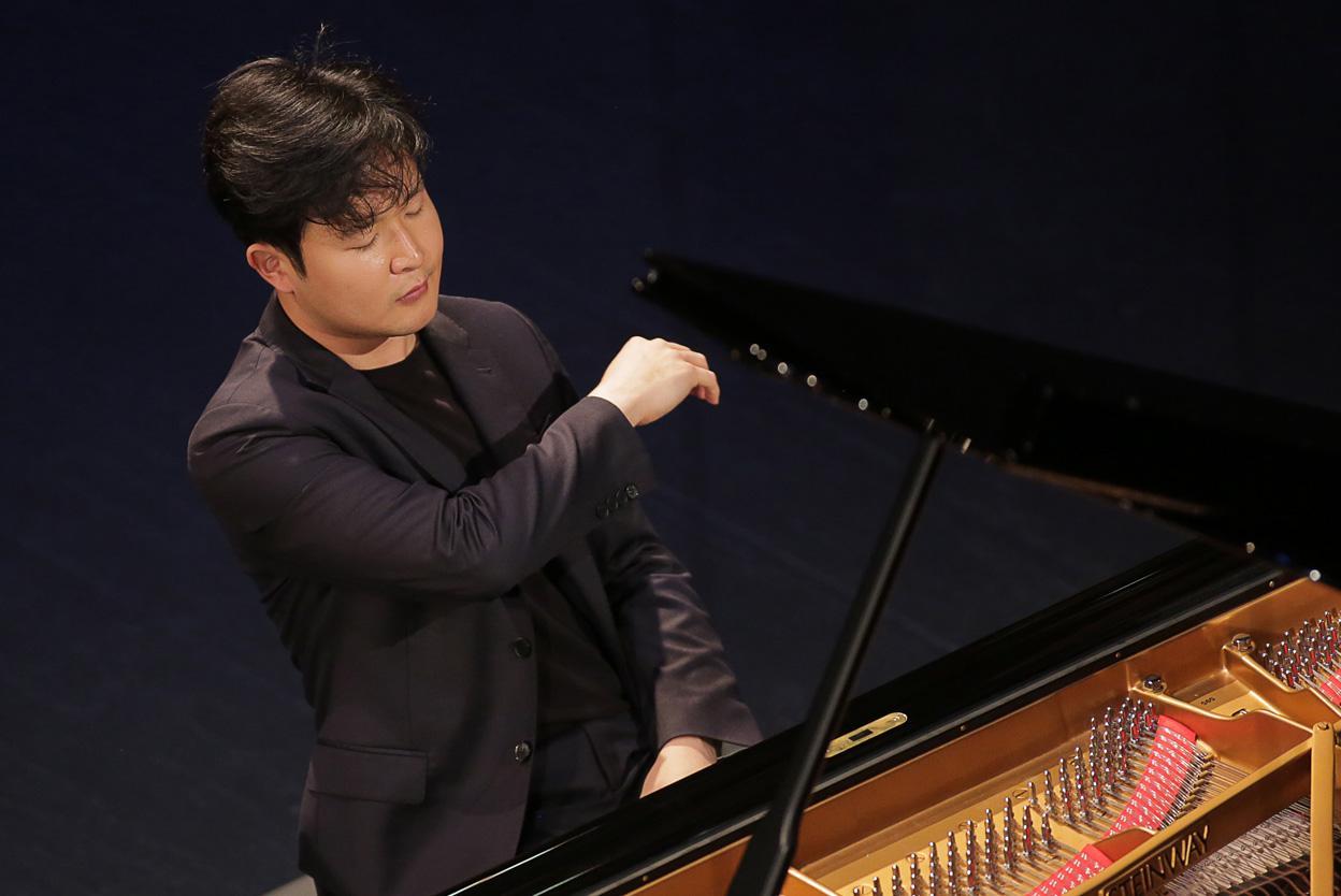 Yekwon Sunwoo, 2017 Cliburn Gold Medalist